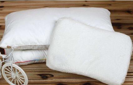 三种方法保持枕头卫生 甩掉油腻头发