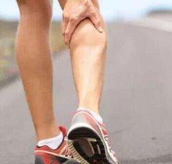 小腿抽筋是怎么回事?