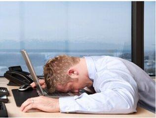 有时背痛可能是因为睡眠不足