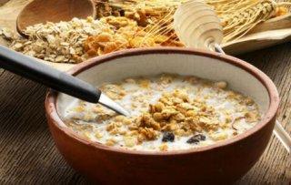 早餐吃燕麦有利于肠胃健康