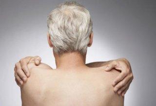 老人想减少头发变白只要动动手指即可