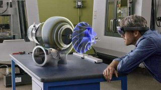 微软研发覆盖3D全息图