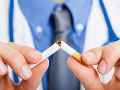青少年吸烟的危害特别大