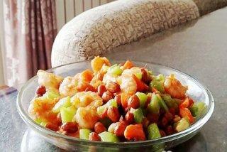 美味的黄瓜炒虾仁减肥食谱
