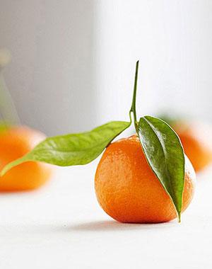 吸烟者为什么每天要吃两个橘子呢