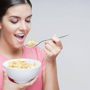 预防口腔溃疡从饮食入手