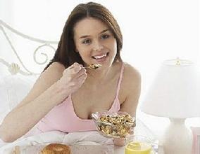 小儿脑瘫应注意些什么样的饮食呢?