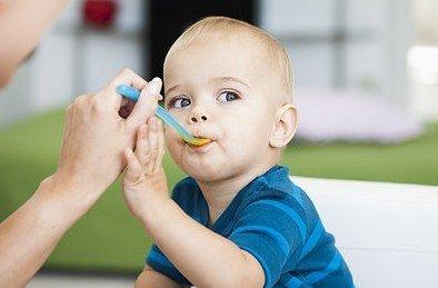 宝宝患新生儿肺炎的饮食禁忌