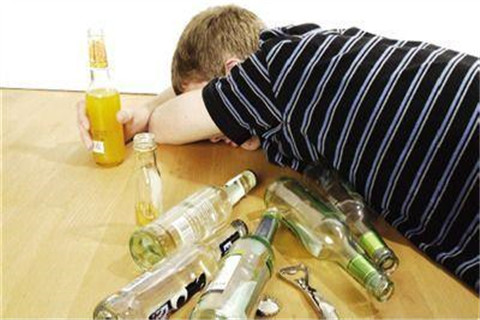 宿醉后饮食有什么要注意的