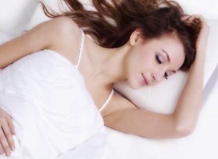 哪些食物对治疗失眠患者的症状有益