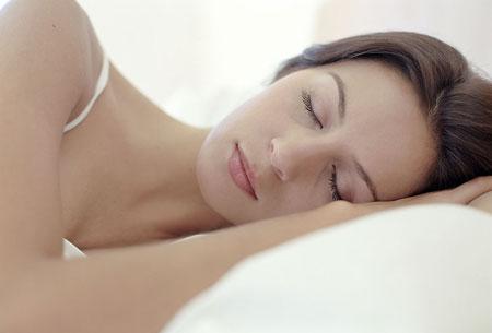 哪些食物对治疗失眠患者有益呢