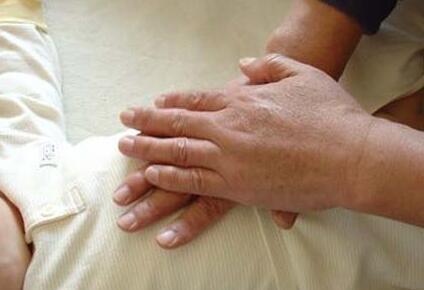 小儿肠套叠的常见症状是什么呢
