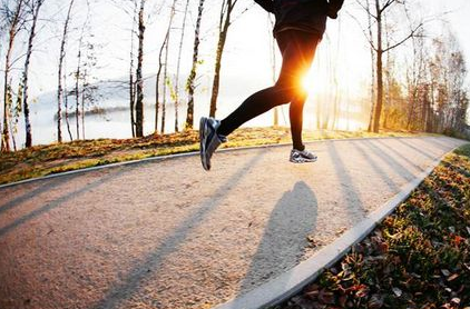 减肥是快走好还是慢跑好