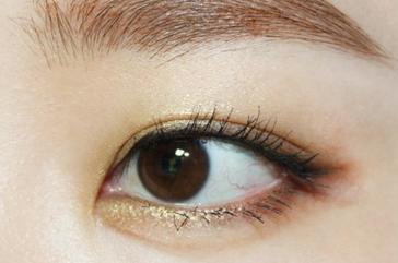 眼部彩妆的画法:营造清新感的双眸