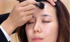 这些简单的化妆技巧,让你的底妆更轻薄自然