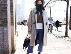 大衣能保暖但也别乱搭,这样穿才能更有女人味