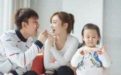 李小璐隐瞒多年的父亲是他?