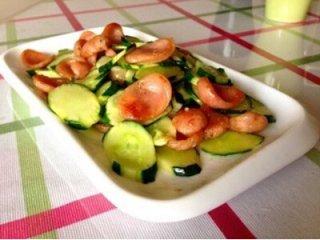 黄瓜炒腊肠的做法