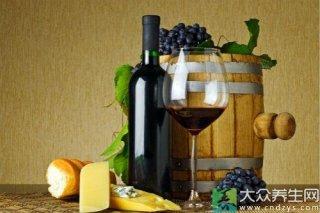 女人来月经可以喝红酒吗