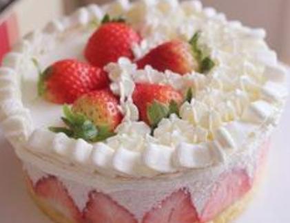 介绍草莓慕斯蛋糕的做法