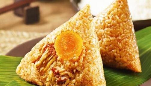 蛋黄鲜肉粽的具体做法