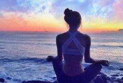 初学者瑜伽怎么自学的入门技巧