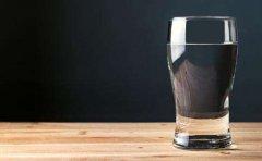 每天喝好3杯水为血管增寿