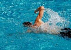 有关游泳的这些好处 你都知道吗