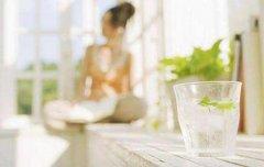 早起喝杯水好处多
