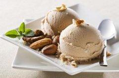 天热头疼 或是因为吃了美味的冰淇淋