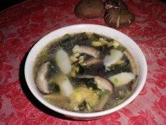 山药香菇木耳汤