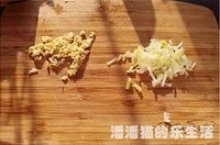 三丝培根炒面的做法