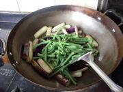 长豆烧茄子的做法