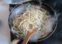 韭黄肉丝炒面的做法