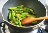 沙茶芦笋虾仁的做法