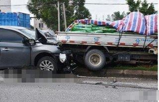 心疼! 拿到驾照仅三天,小伙追尾大货车当场身亡!